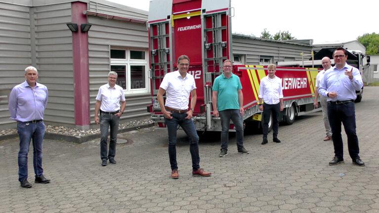 THW einsatzmäßig mit Feuerwehr-Anhänger nach Herne