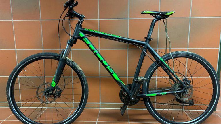 Polizei sucht die beiden Fahrradbesitzer